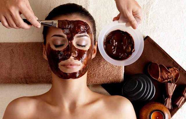Make A DIY Chocolate Scrub