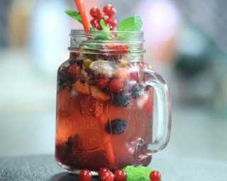 Recipe: mixed berry mojito
