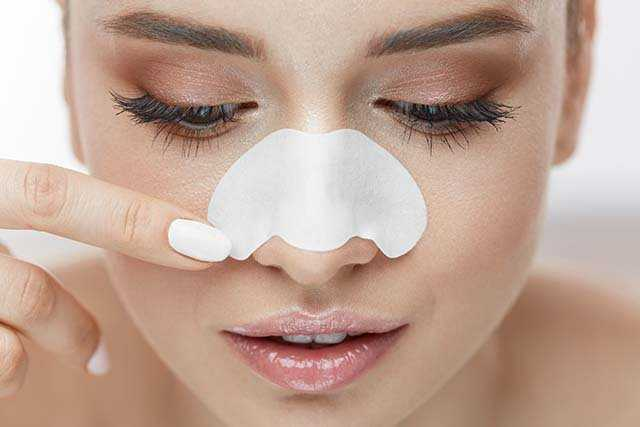 How To Get Rid of Blackheads Naturally | Femina.in