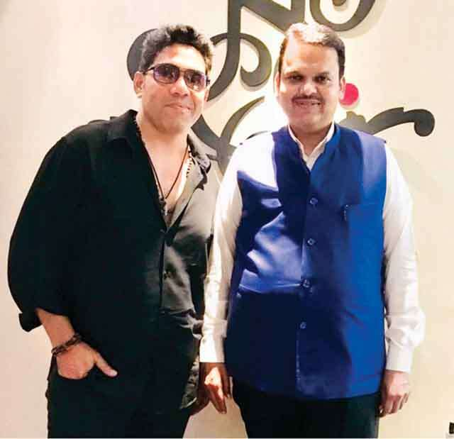 Savio John Pereira celebrity hair stylist with devendra fadnavis