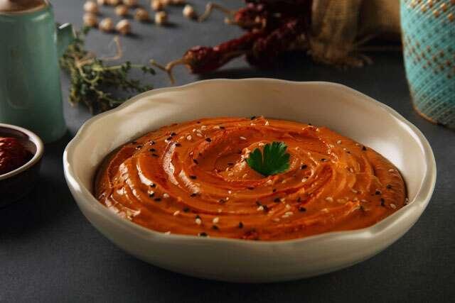 Baharatli hummus