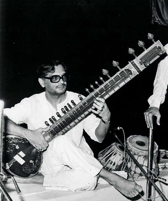 Gulzar with a sitar