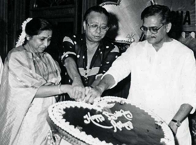 Gulzar with Asha Bhosle and RD Burman