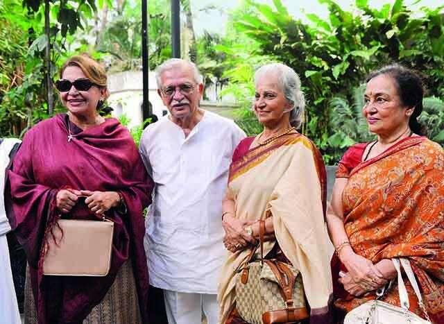 Gulzar with yesteryear actors Helen, Waheeda Rehman and Asha Parekh