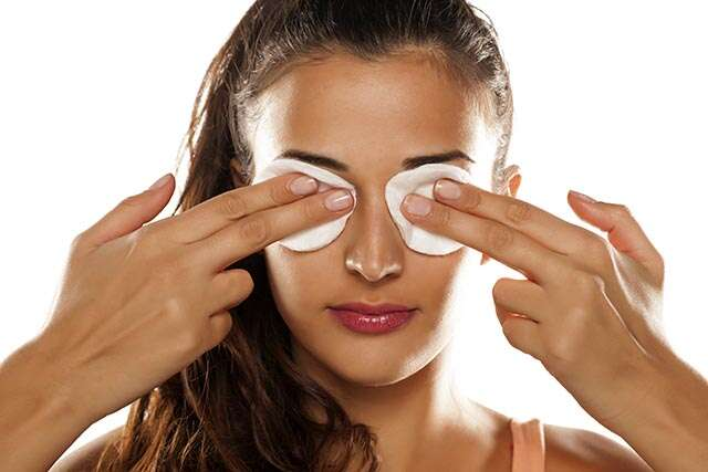 Refreshes the eyes and eliminates puffiness after skin icing