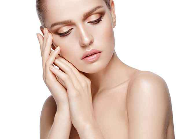 Use less makeup for beauty in monsoon