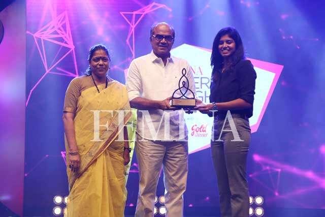 Notable TV actor Thalaivasal Vijay receives the award from daughter National level swimmer AV Jayaveena