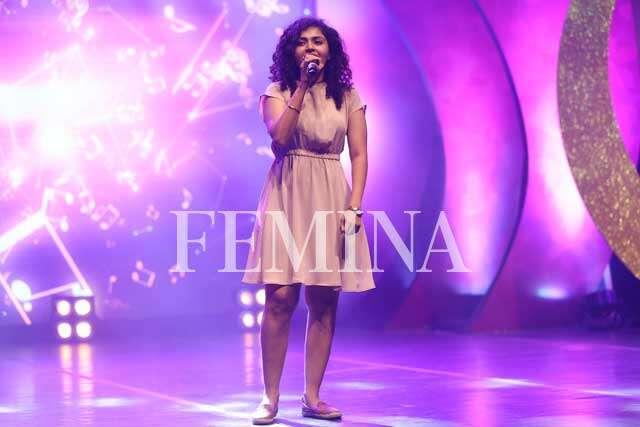 Maalavika Sundar's beautiful voice has the crowd mesmerised