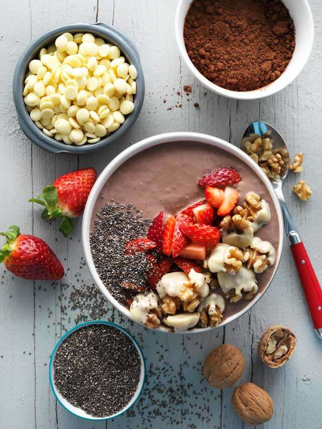 Cocoa & walnut pudding bowl