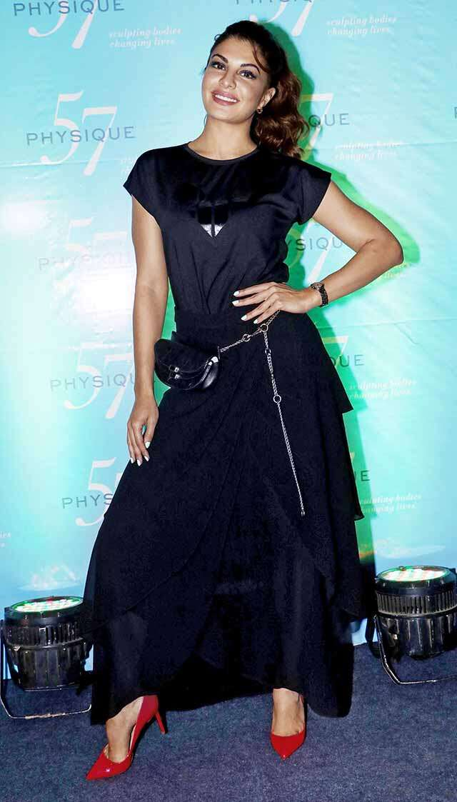jacqueline fernandez wearing cap-tain of style sleeves