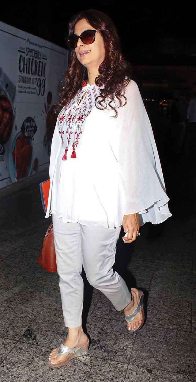 Juhi chawla wearing keeping up with the kimono sleeves