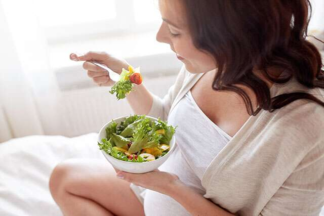 consume energy-rich foods while travelling during pregnancy