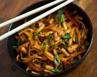 Recipe: stir-fried Japanese udon noodles