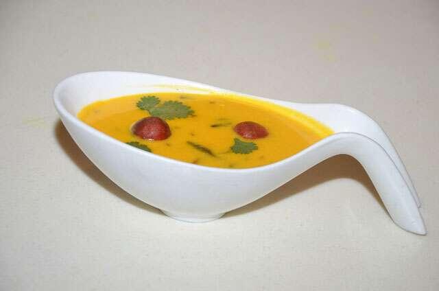 Gujarati mango kadhi