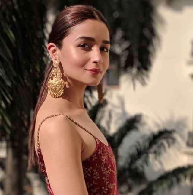 Alia Bhatt nude base makeup look