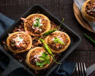 Easy dinner recipe: Baked Kheema Pav