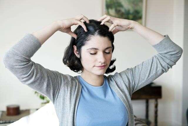 woman doing oil massage
