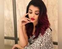Get Aishwarya's stunning classic makeup look