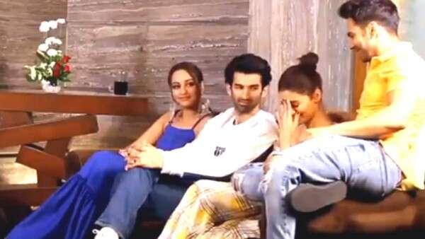 Alia Bhatt accidentally calls Varun Dhawan Ranbir!