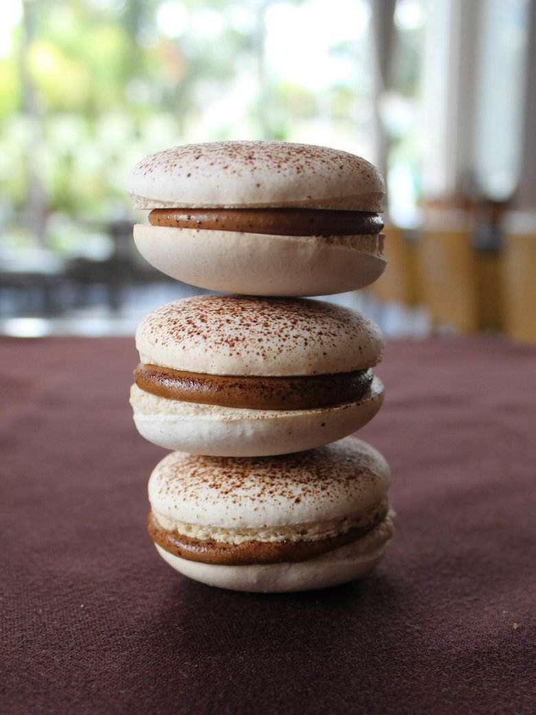 Buttercream French Macarons.jpg