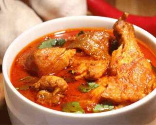 Easy dinner recipe: Lehsooni murgh curry