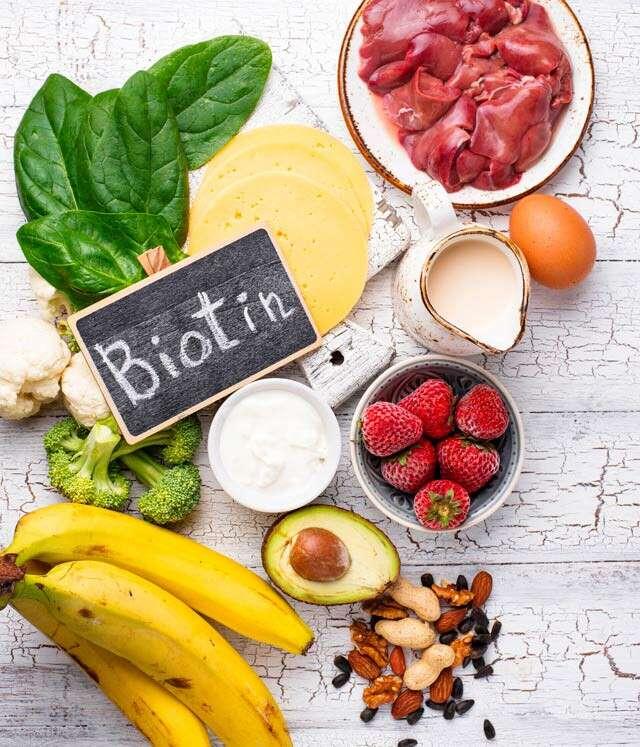 Peanuts: Biotin rich Foods
