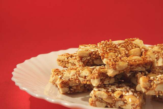 Peanuts mixed with jaggery to make Chikki