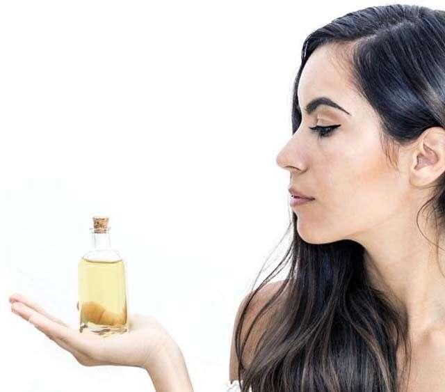 Castor Oil for Hair it hydrates and Moisturises Hair Strands