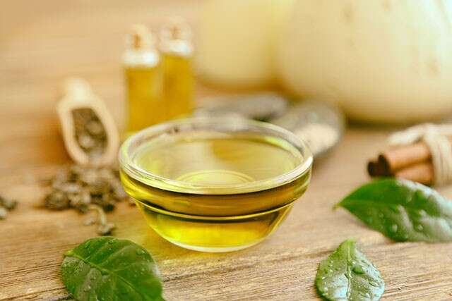 Home Remedies using Tea Tree Oil for Hair and Scalp