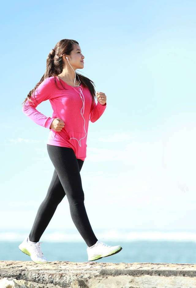 Brisk Walking-How to Reduce Thigh Fat