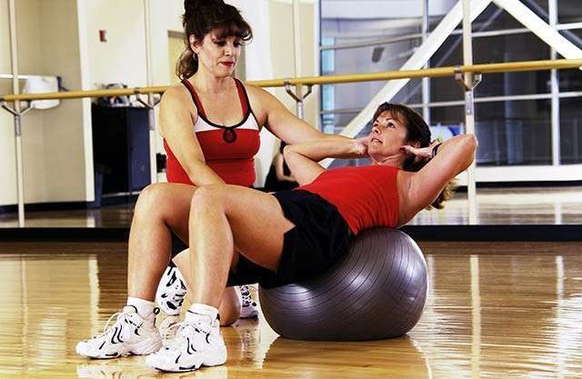 Fitness Trainer - How to Reduce Thigh Fat