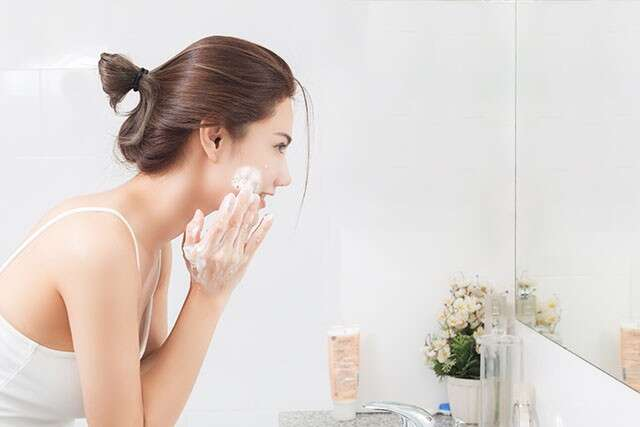 For Tips for Glowing Skin Develop a Skincare Routine