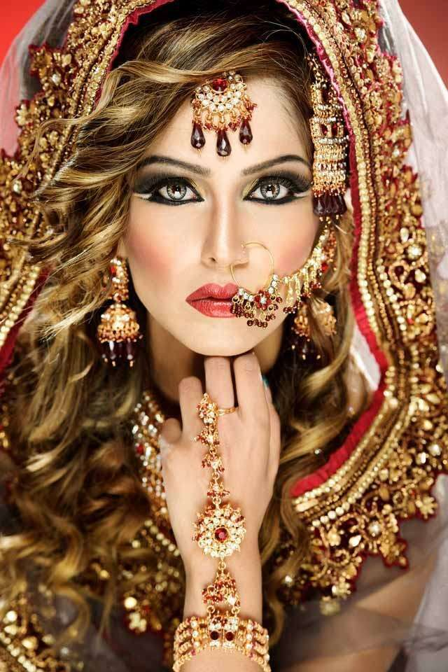Indian wedding Hairstyle That Works for your Face