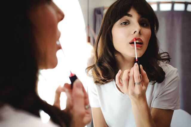 makeup Use-it-with-lipstick-in-place-of-lip-liner-in