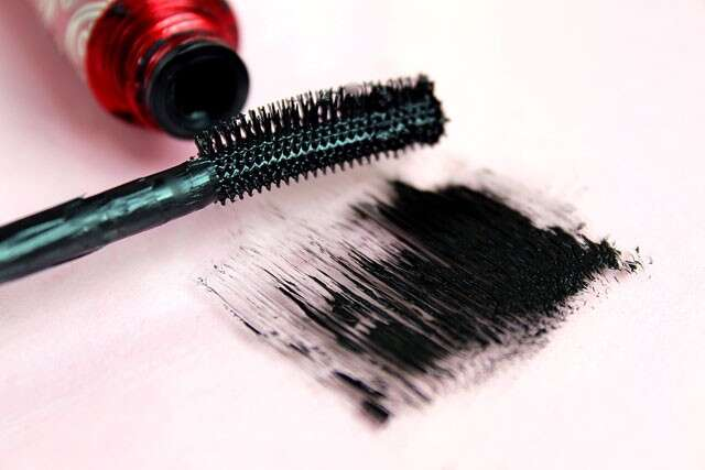e1bf4b90fb4 ... hacks that will ensure your lashes look naturally elongated and  voluminous. mascara