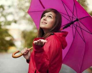Survive these monsoon beauty disasters