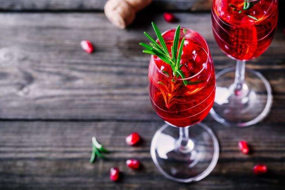 Virgin_cranberry_and_pomegranate_bellini