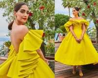 Sonam Kapoor channels vintage glamour at Cannes