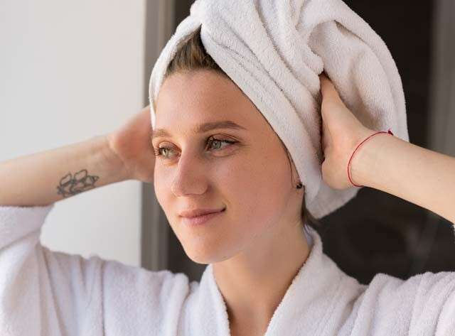 Towel Drying Can Control Hair Fall