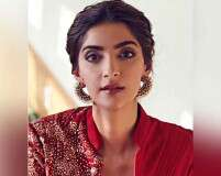 Festive makeup inspired by Sonam Kapoor Ahuja