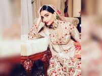 Sonam Kapoor Is Having A 'Mughal-E-Azam' Moment On Instagram