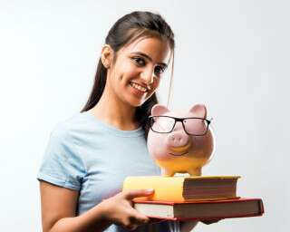 Wondering How To Start Investing While In College? Check Our Expert Guide