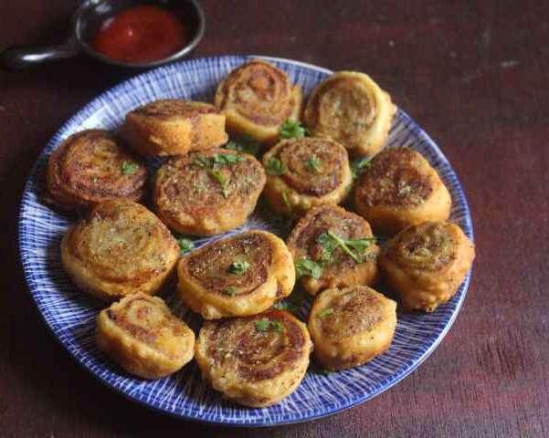 Pinwheel samosas - Richa Tiwari