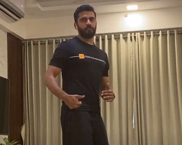 4 Easy At Home Workout Ft. Suraj Bangera