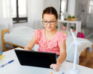 5 Benefits Of e-Learning For Students And Employees Alike