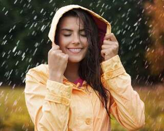 4 Effective Ways To Maintain Your Mane During Monsoon