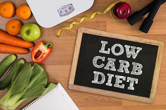 Jeûne intermittent: régime pauvre en glucides