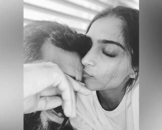 Adorable Photos Of Sonam Kapoor And Anand Ahuja To Bless Your Timeline