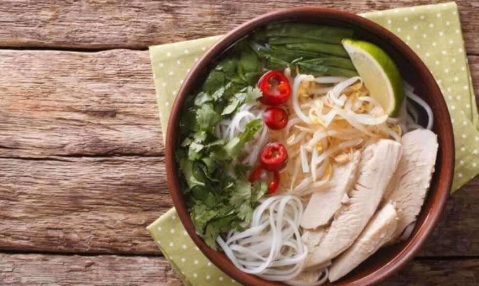 Femina More Chicken Noodle Soup With Lemongrass