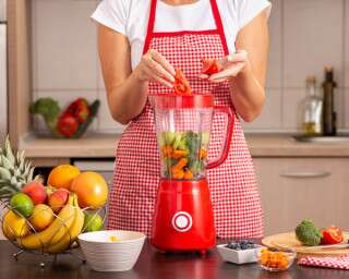 Make Healthy And Delicious Smoothies With The Help Of A Smoothie Maker